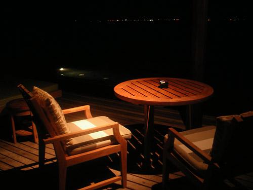タージエキゾティカ水上コテージ夜